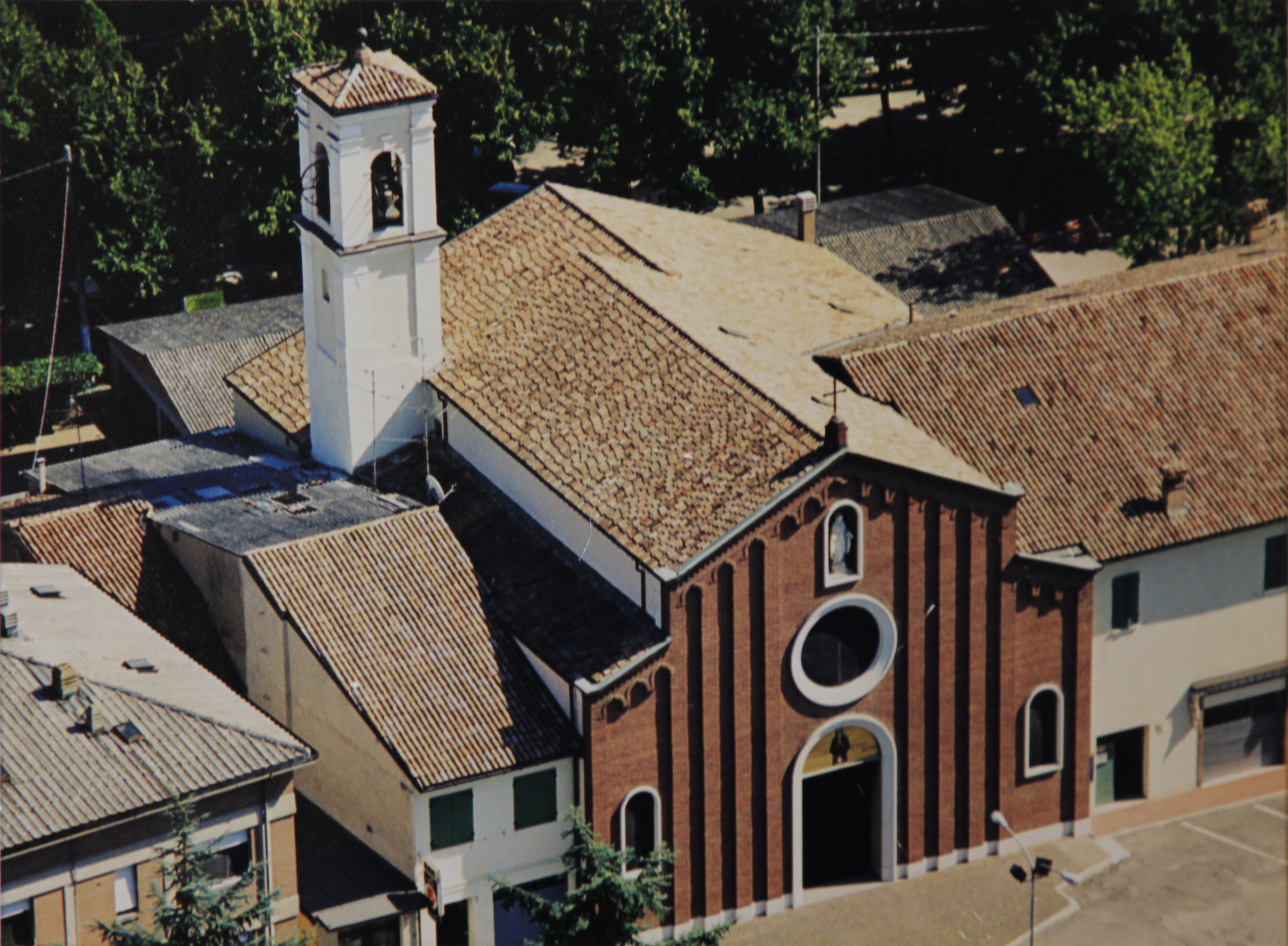 Chiesa Bagnolo in Piano 025