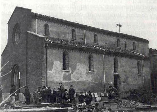 Foto storica dell'esterno della Chiesa prima dei lavori